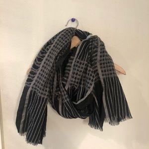 Mossimo infinity scarf. Never worn!